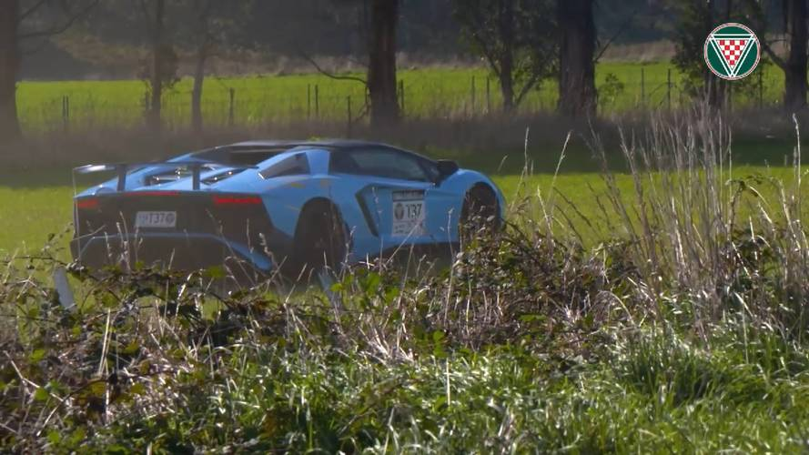 Off-road terepre vándorolt a Lamborghini Aventador SV