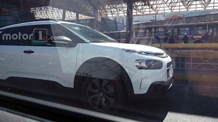 Flagra: Citroën C4 Cactus roda pronto para estreia em setembro