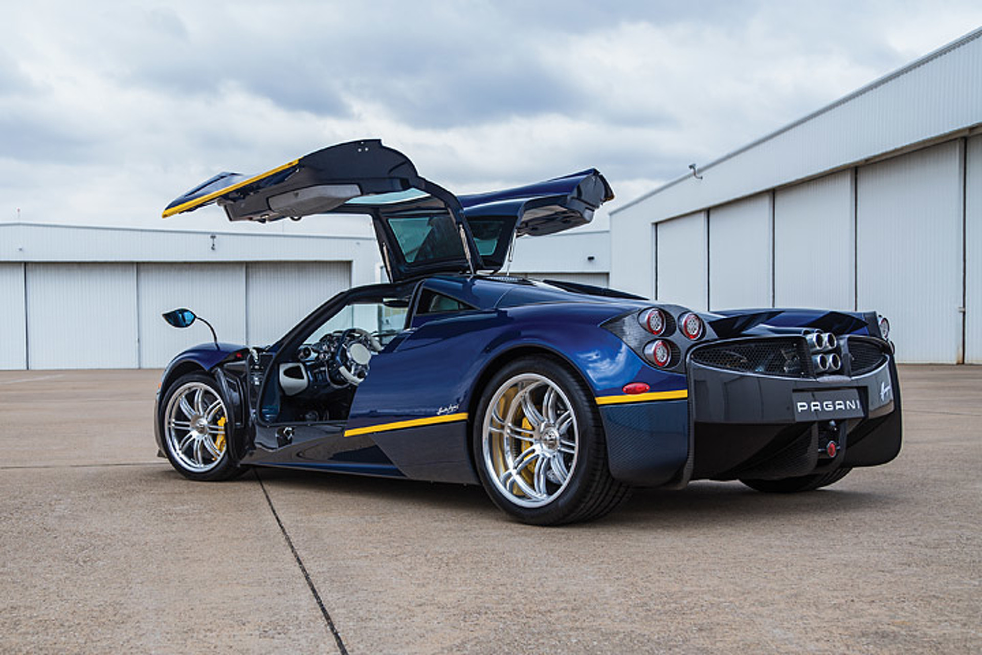 This Million Dollar Pagani Huayra Has Over $260,000 in Options
