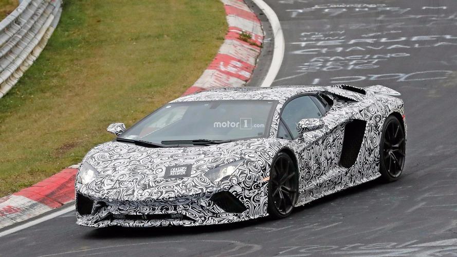 La Lamborghini Aventador restylée surprise sur le Nürburgring