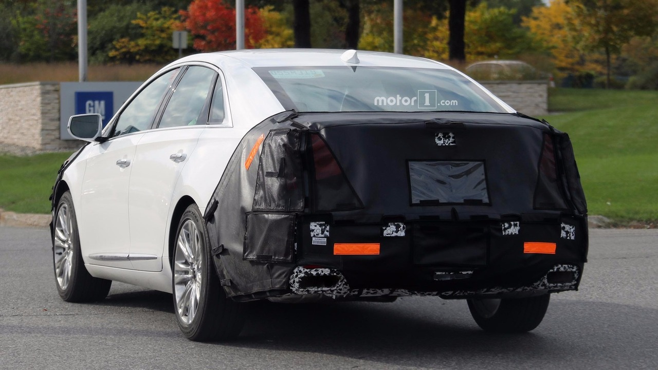 2018 cadillac xts spied in michigan with revised front and rear. Black Bedroom Furniture Sets. Home Design Ideas