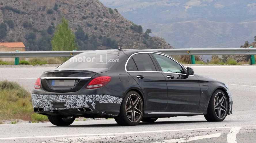 2018 Mercedes-AMG C63 Sedan casus fotoğrafları