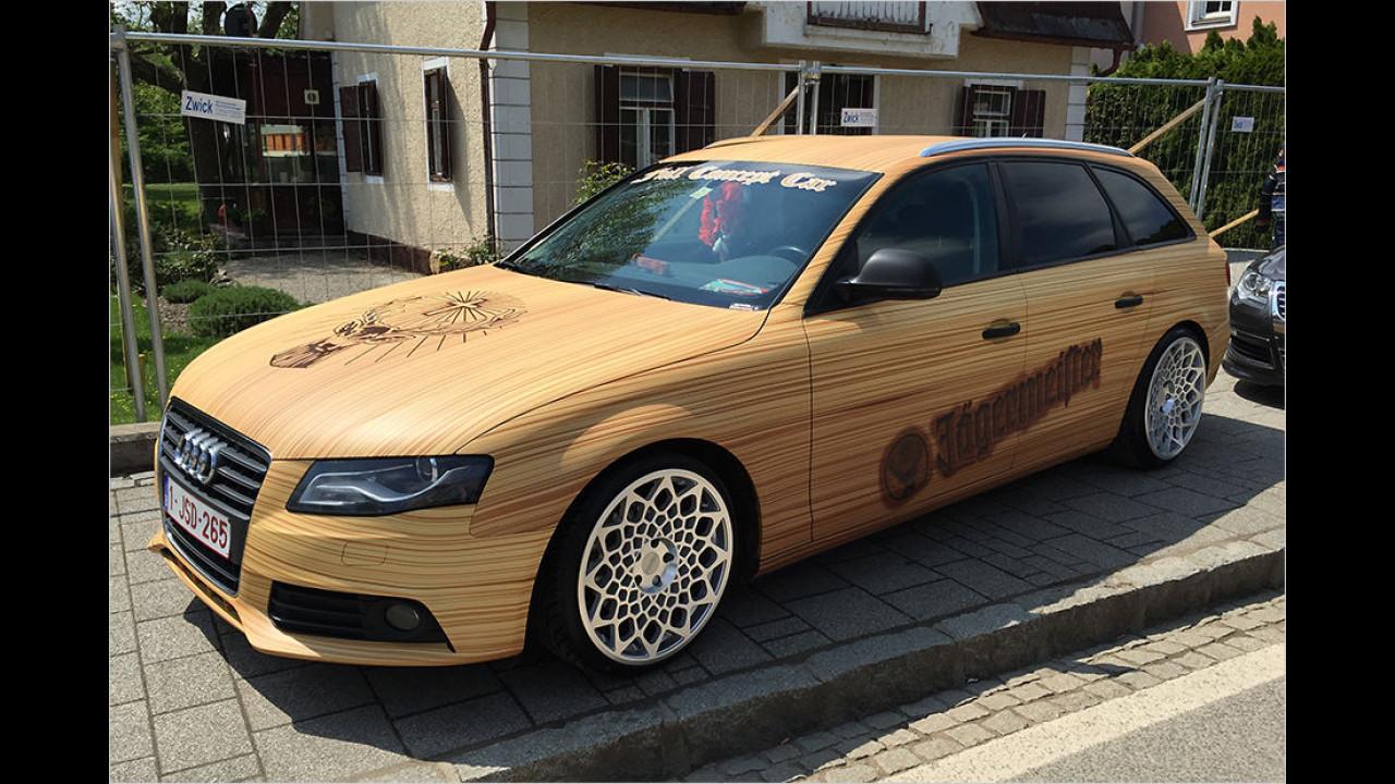 Da hat einer viel Holz vor der Hütten. Und ja, Audis sind beim GTI-Treffen auch gern gesehen