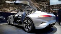 Pininfarina zeigt HK GT mit Flügeltüren