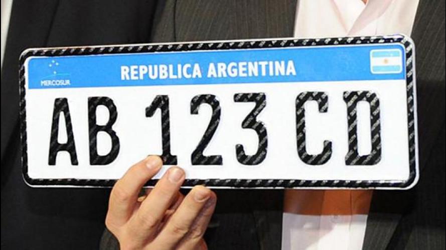 Targhe, l'Argentina adotta il modello italiano