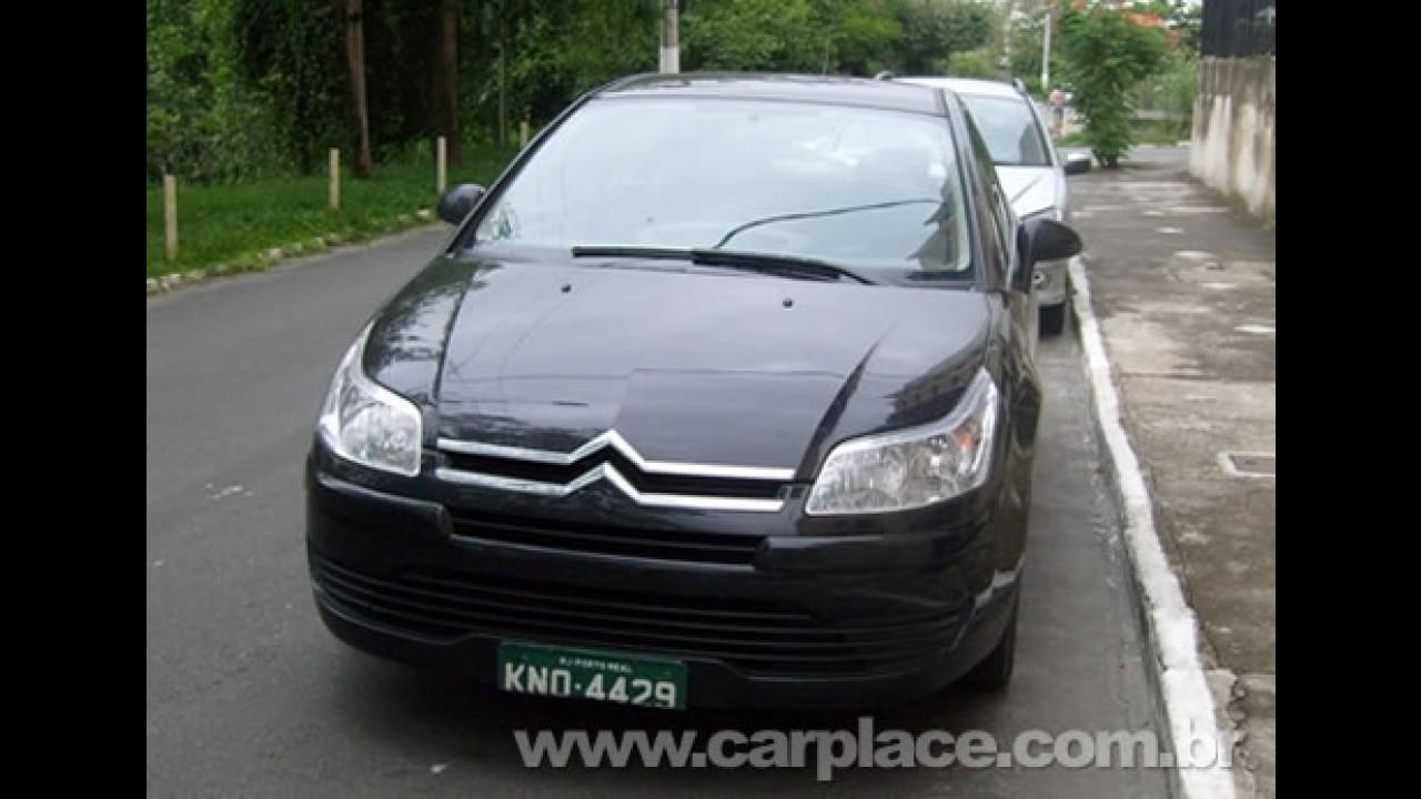 Leitor flagra novo Citroën C4 Hatch em Resende/RJ - Versão chega em 2009