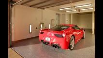Araba tutkunları için tasarlanmış ev