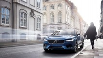 Volvo S90 ve V90'ı R-Design versiyonuyla daha da canlandırıyor