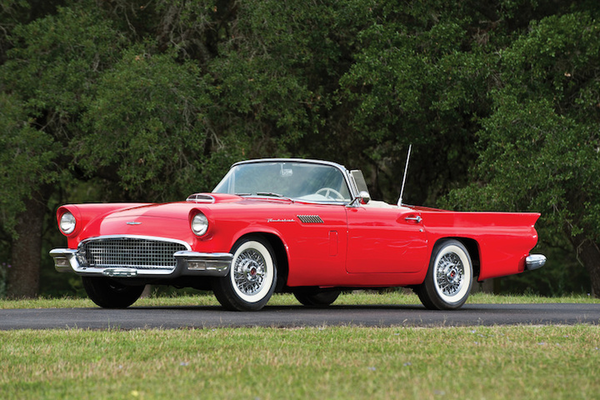 Muscle Car Pics >> The 1957 Ford Thunderbird Almost Killed the Corvette