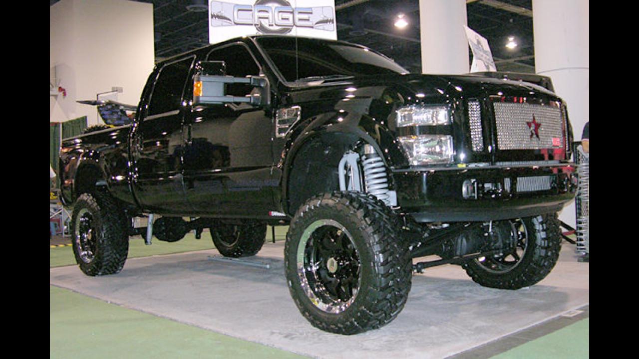 Her mit den Felsbrocken: Ein hochgelegter Ford F250 von Cage RBP