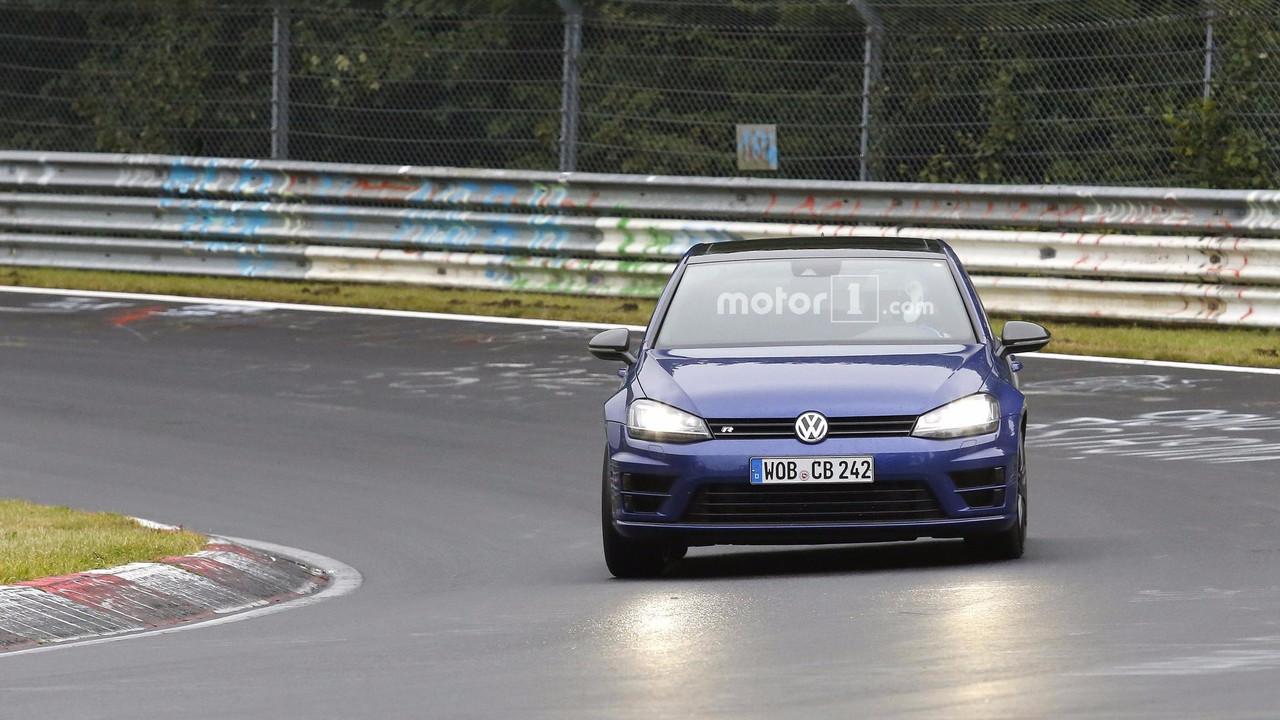 Volkswagen Golf R420 fotos espía