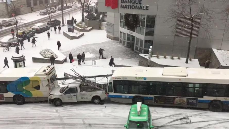 VIDÉO - Carambolage géant au Canada