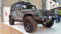 Jeep Wrangler, così diventa un mostro di fuoristrada
