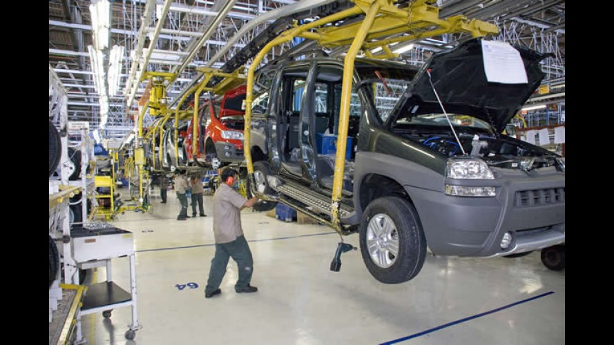Com estoques elevados, Fiat e Volkswagen reduzem produção