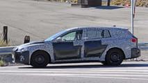 Ford Focus wagon spy photo