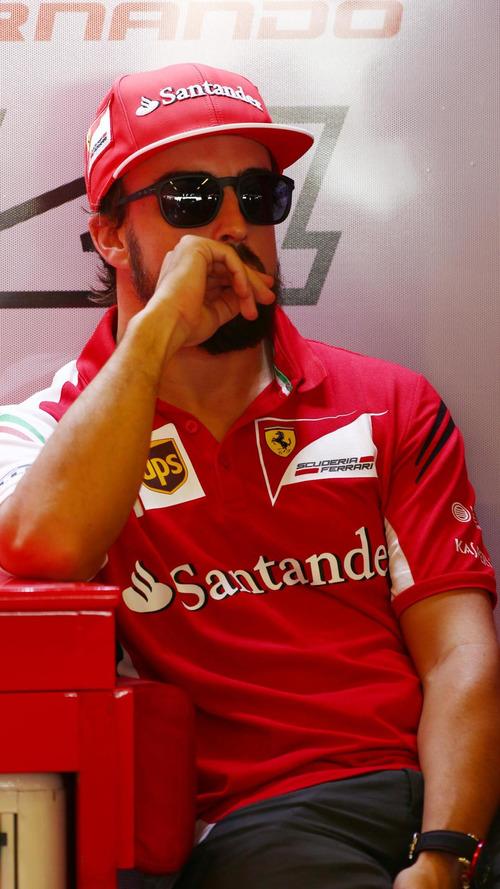 Alonso mocks Ferrari's 'Marlboro Man' shakeup