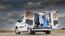 Ready4Work uygulamalı, raf ve depolama çözümleri sunan Renault Kangoo