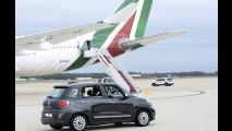 Papa Francisco circula de Fiat 500L em visita aos Estados Unidos