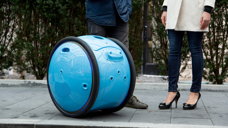 Piaggio launches luggage carrier robots, seriously