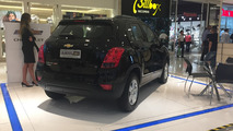 Chevrolet Tracker LT em shopping center
