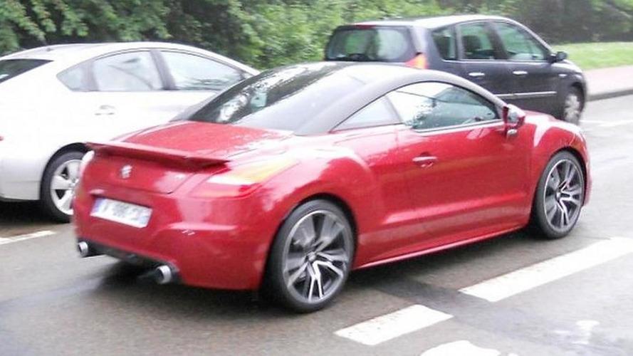 Peugeot RCZ R production version captured in blurry photo