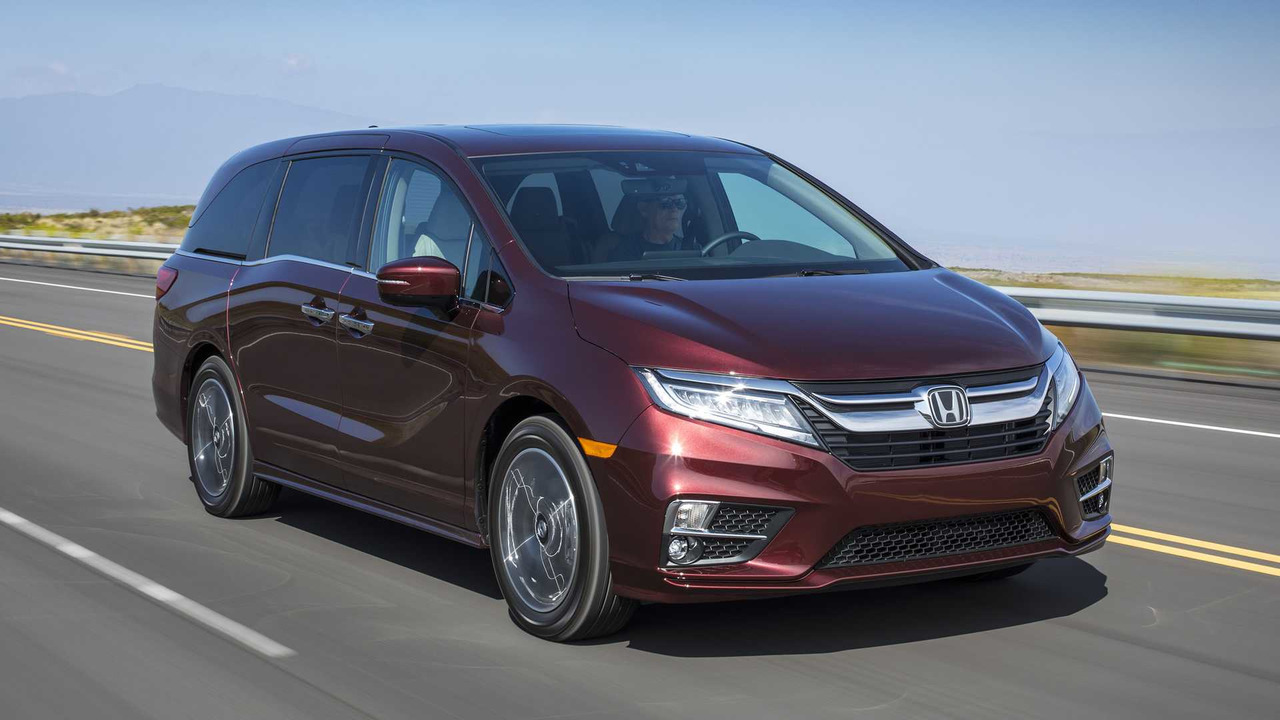 2018 honda odyssey first drive only as boring as your for All wheel drive honda odyssey