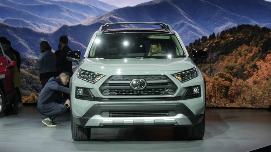 2019 toyota rav4 shows new york its all new style. Black Bedroom Furniture Sets. Home Design Ideas
