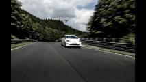 Toyota Prius Plug-in TRD impegnata a Nurburgring