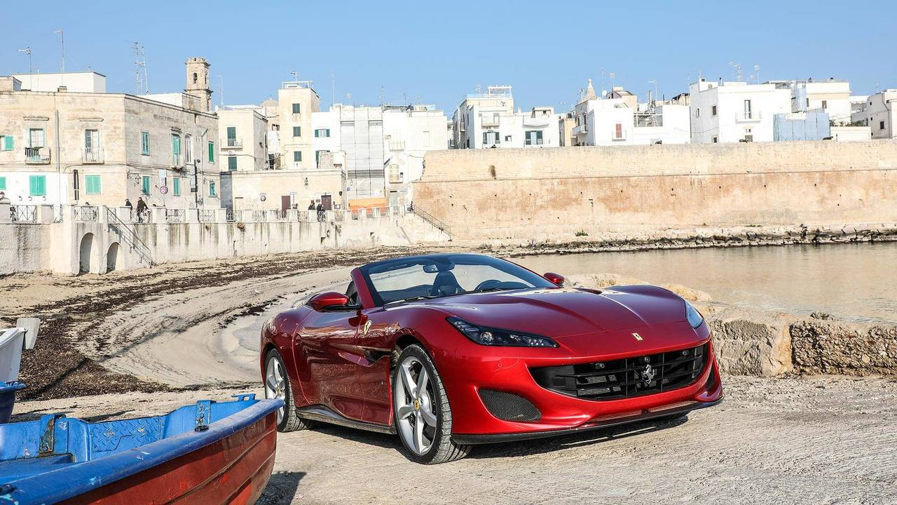 essai ferrari portofino pour oublier la california. Black Bedroom Furniture Sets. Home Design Ideas