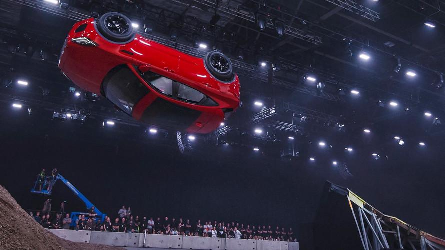 El Jaguar E-PACE 2018 debuta con un récord Guinness