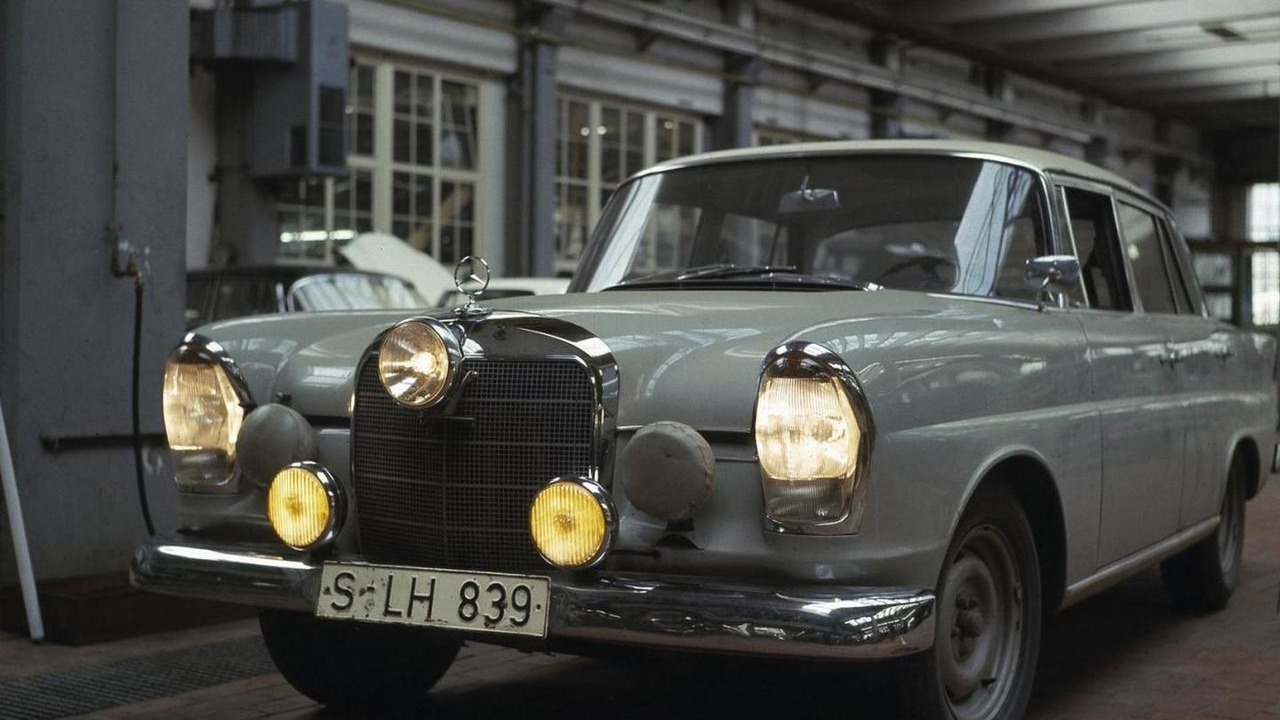 'Fintail' based on the Mercedes-Benz 220 SE model (W 111 series) 14.10.2011