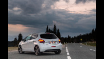 Peugeot 208 restyling 2015