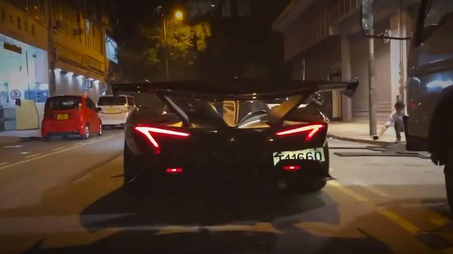 F1-es autókat megszégyenítő hanggal