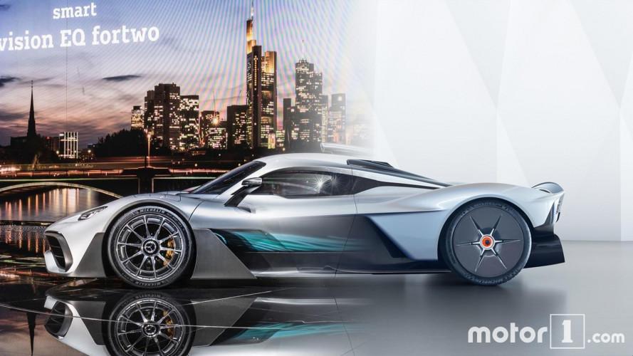 Aston Martin Valkyrie e Mercedes-AMG Project One, la sfida oltre i 2.000 (CV)