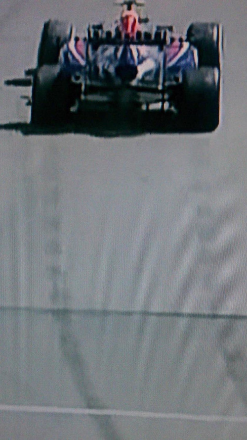 Photo evidence shows apparent Red Bull 'illegal traction control' [video]