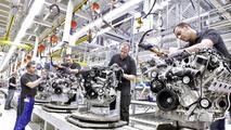 New Mercedes-Benz 3.5 liter V6 engine assembly 07.05.2010