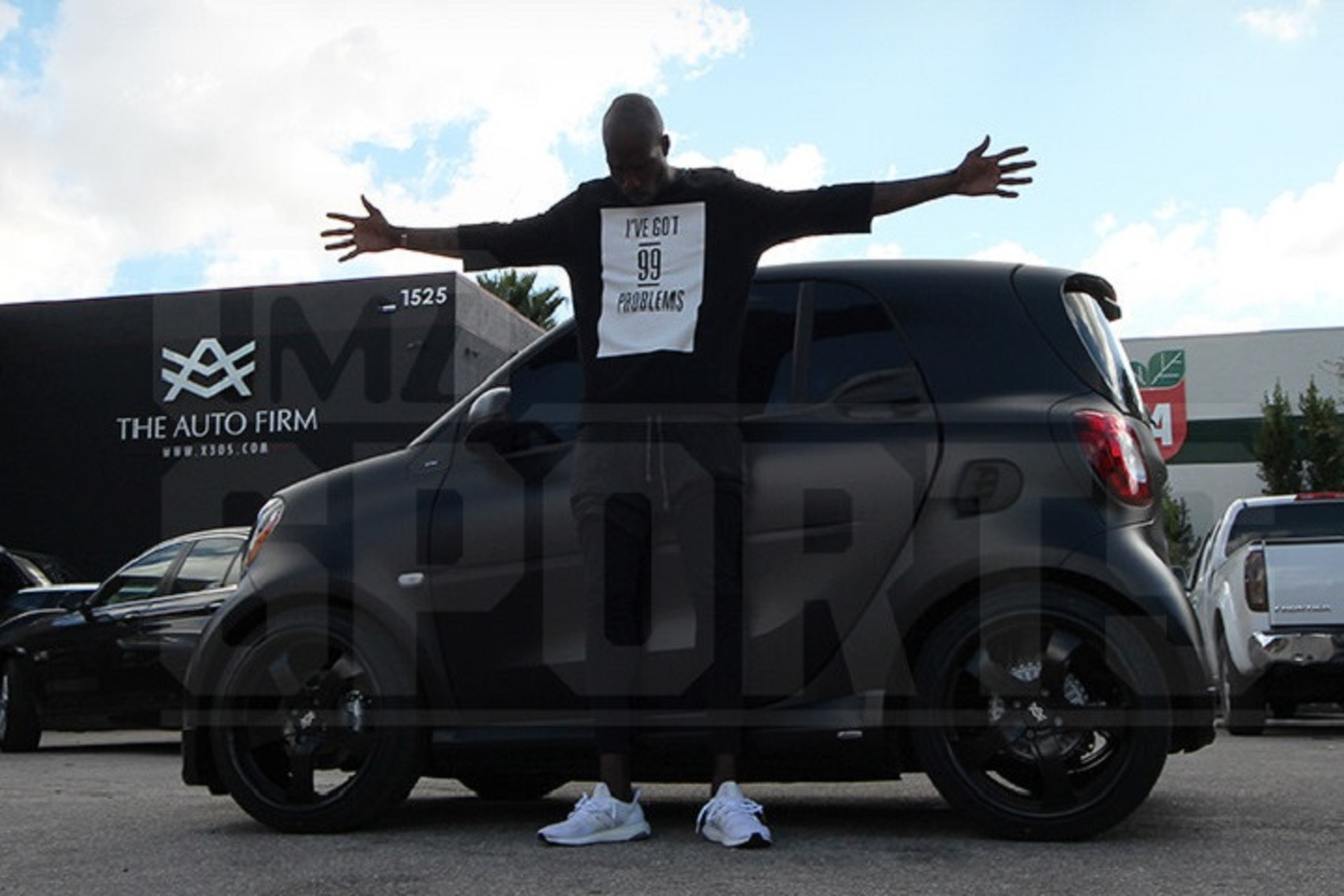 Chad Johnson Drives A Pimped Out Smart Car - Pimped out cars