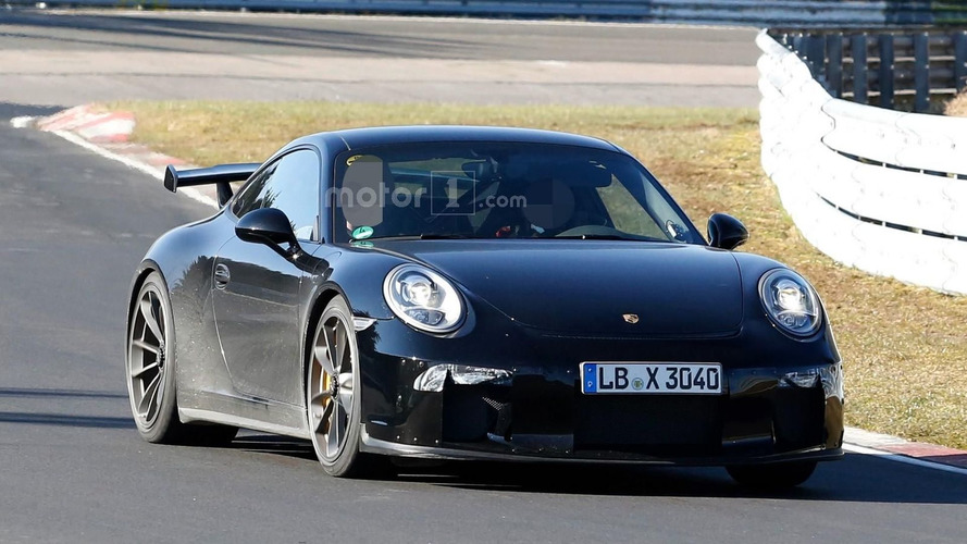 Porsche 911 GT3 facelift spied on the Nürburgring