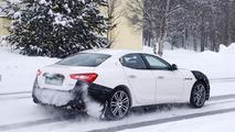 Makyajlı 2018 Maserati Ghibli casus fotoğrafları