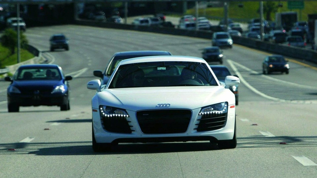 Audi R8 on route to Design Miami 2007