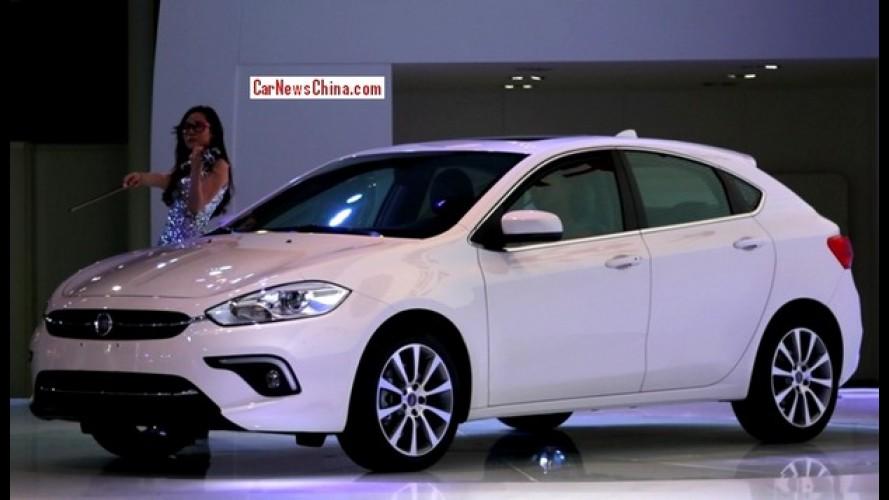 Fiat Viaggio hatch, substituto do Bravo, já se mostra antes da estreia
