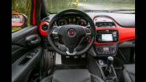 Teste CARPLACE: Sandero RS e Punto T-Jet fazem o pega do momento!