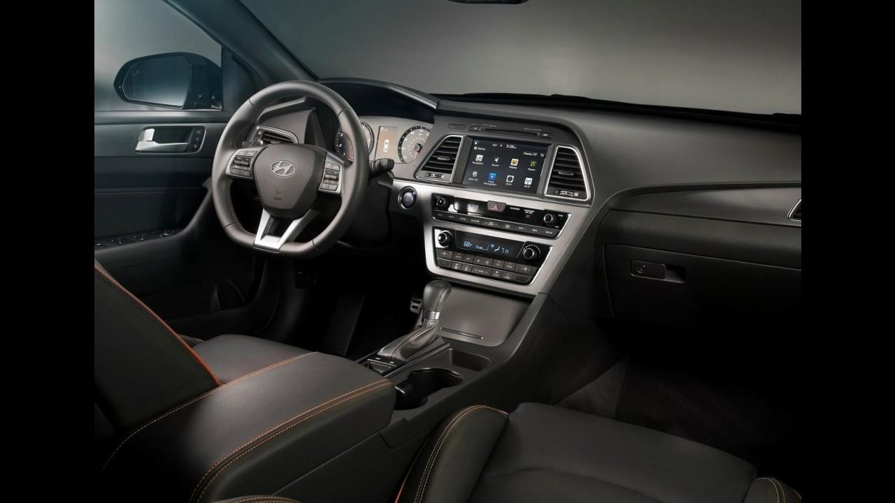Novo Hyundai Elantra 2016: flagra mostra interior totalmente reformulado