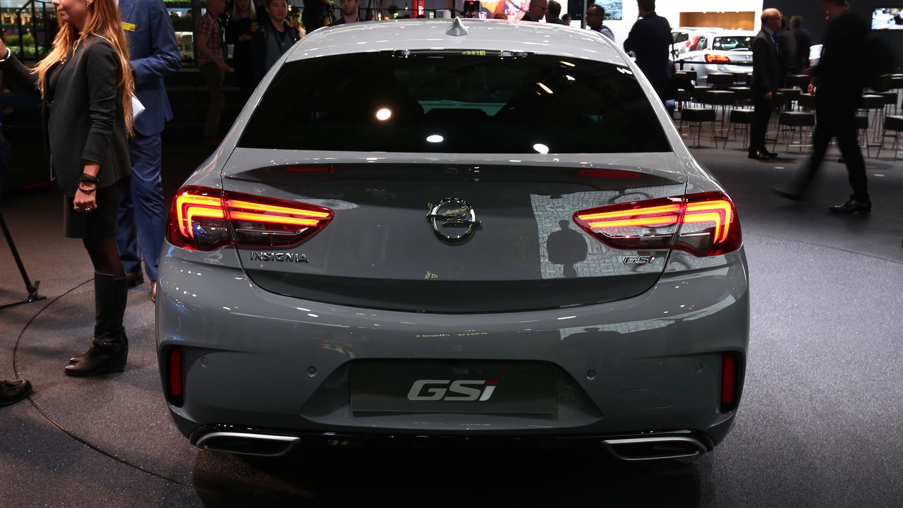 vauxhall insignia gsi packs 256 hp and all wheel drive. Black Bedroom Furniture Sets. Home Design Ideas