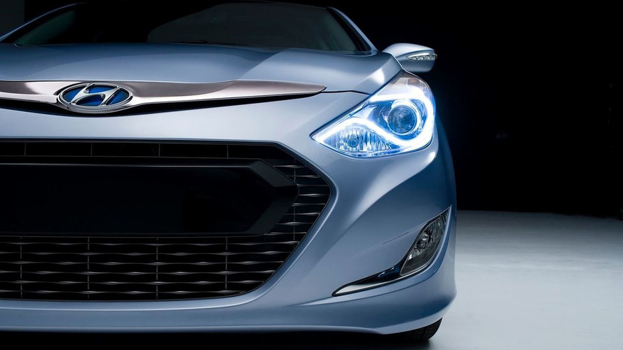 2011 Hyundai Sonata Hybrid Teaser Image Released