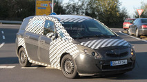 2012 Opel Zafira spy photos 10.16.2010