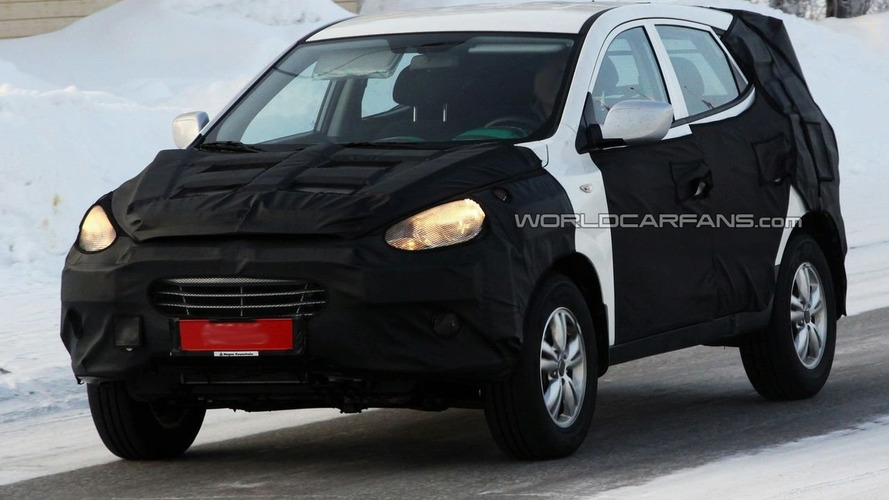 Hyundai ix35 aka ix-ONIC Concept Already Spied Winter Testing