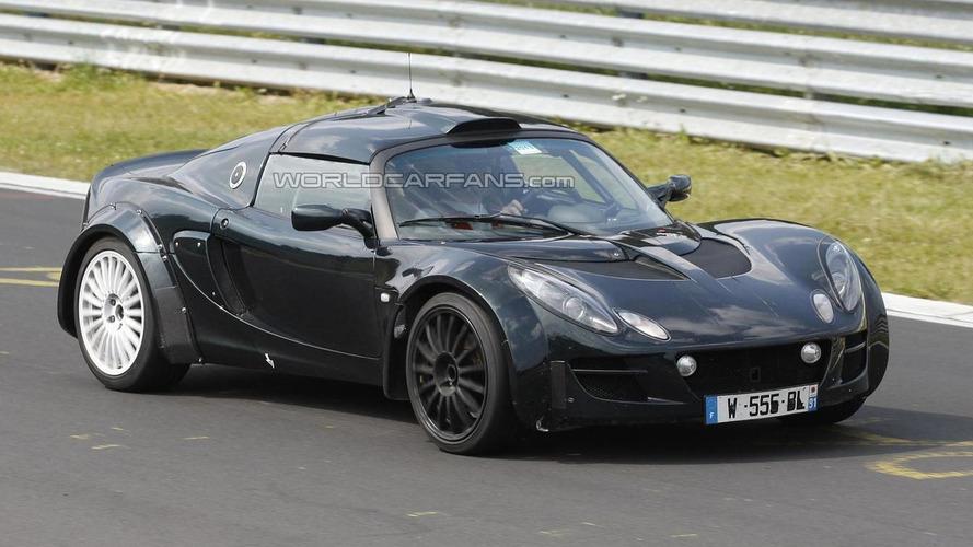 2015 Renault/Caterham Alpine disguised as Lotus Exige spied again