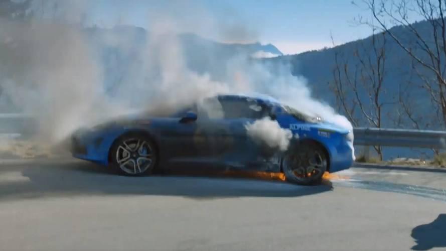 Top Gear'da Alpine A110'un alev aldığı görüntüler ortaya çıktı