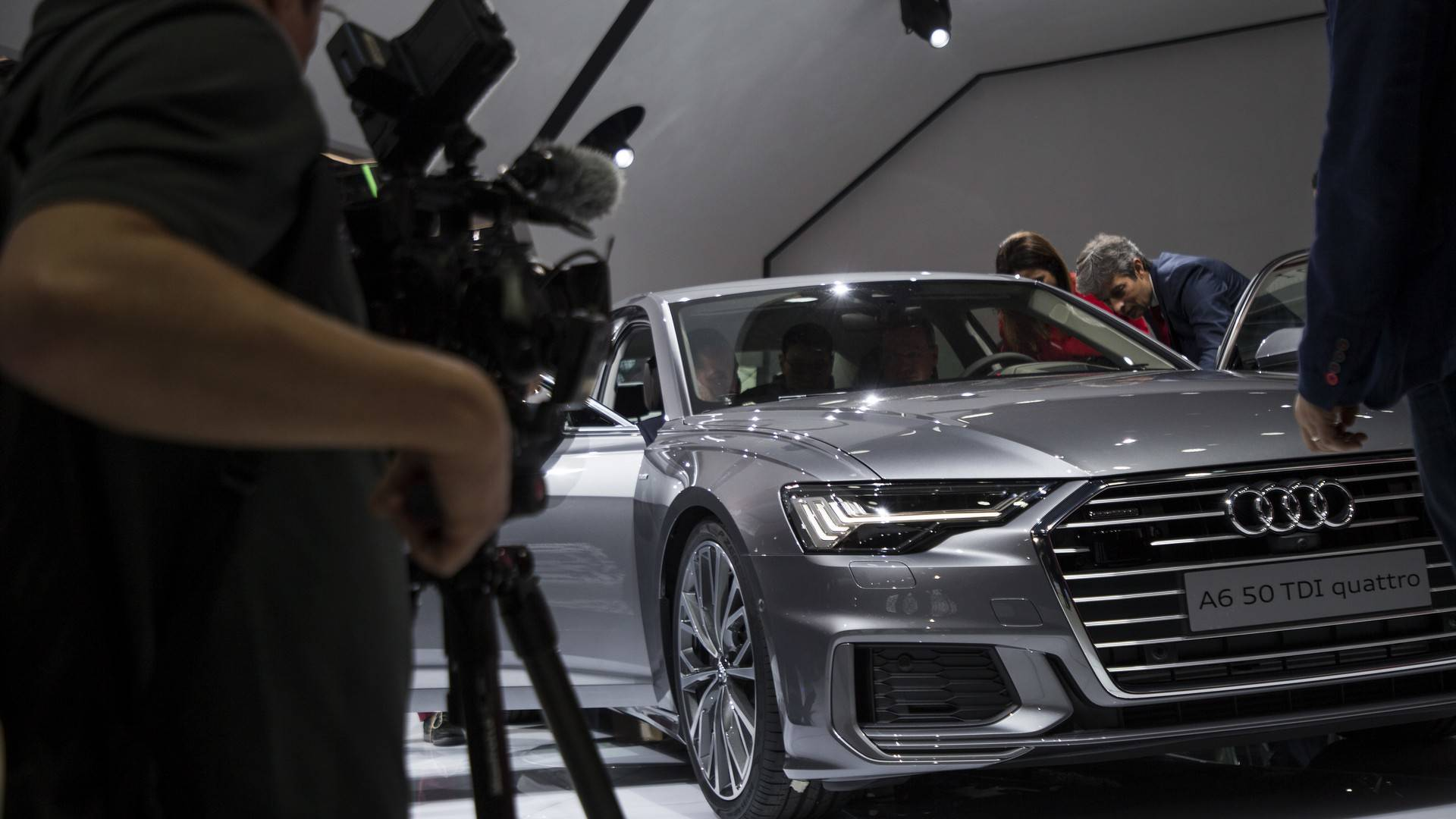 2019 Audi A6 Live From Geneva Motor Show Audi A Exclusive on porsche panamera exclusive, volkswagen phaeton exclusive, citroen c5 exclusive, citroen c3 exclusive, audi s4 exclusive, amc concord exclusive, porsche cayenne exclusive, porsche boxster exclusive,